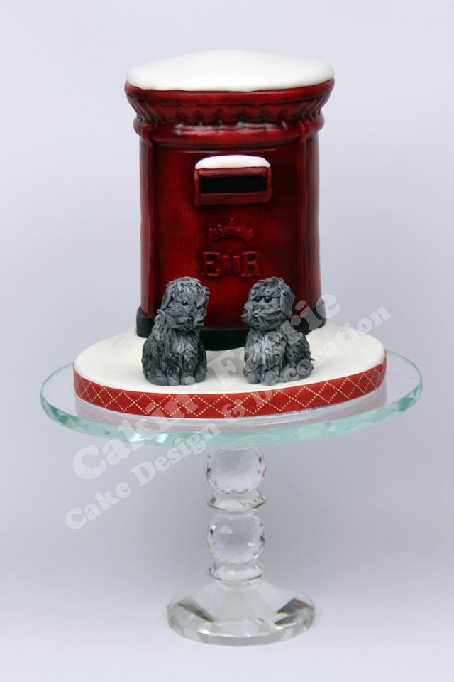 Pillar Box Xmas Cake