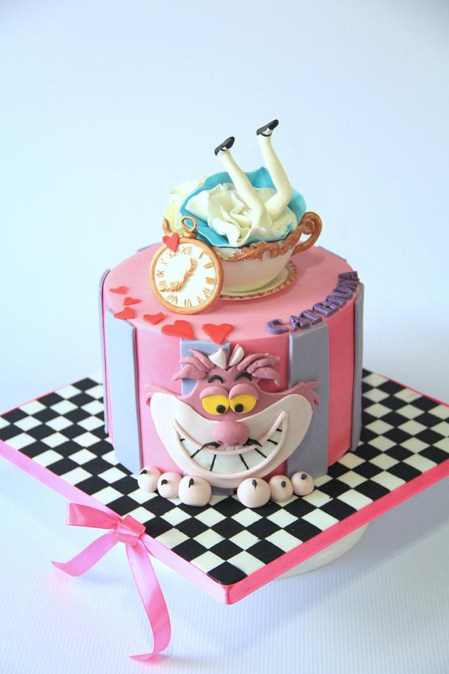 Alice in Wondeland Cake