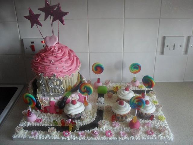Pleasant 18Th Birthday Katy Perry Style Cake By Tinascupcakes Cakesdecor Funny Birthday Cards Online Inifofree Goldxyz