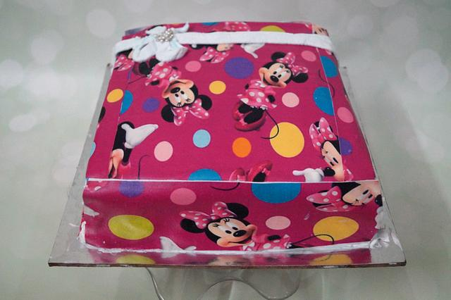 fresh cream gift box style cake
