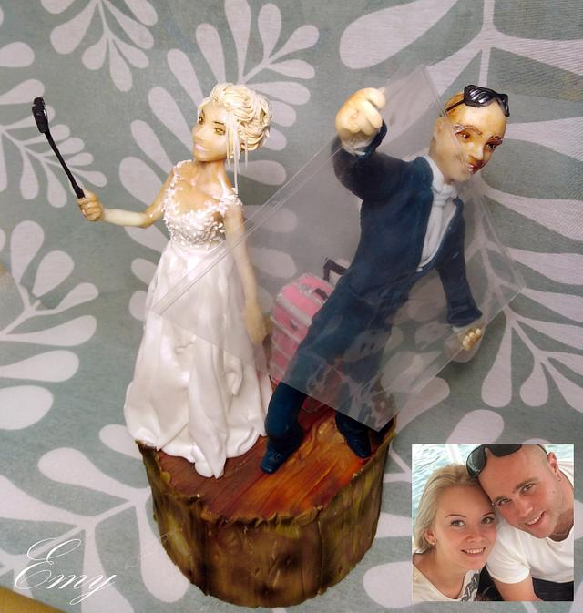Realistic wedding figures - with selfi bride and glazier groom