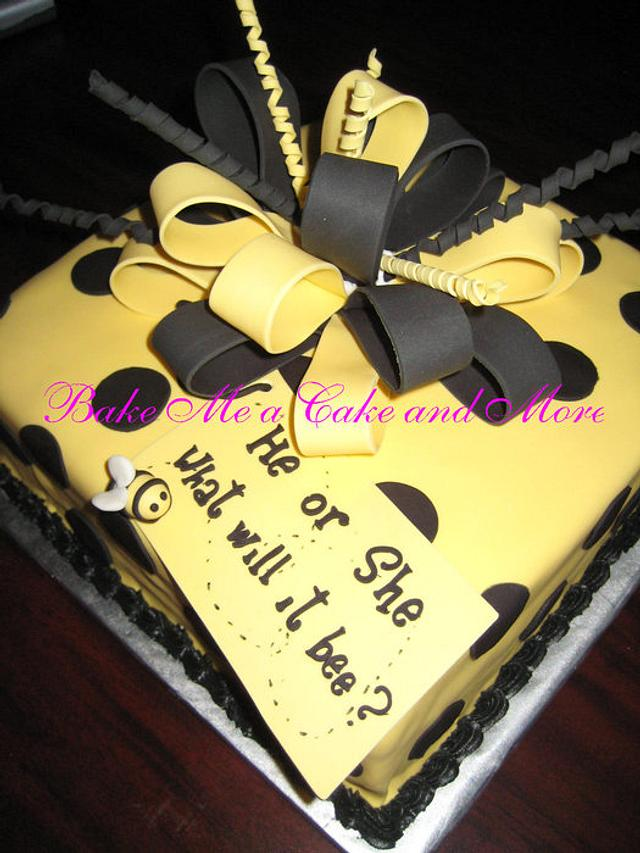 """Gender Reveal Cake """" What will it Bee? """""""