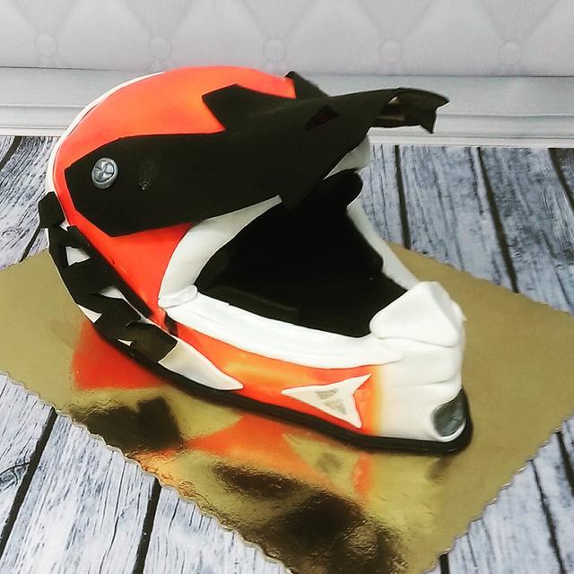 Motorcross 3D helmet cake,  tort kask ktm