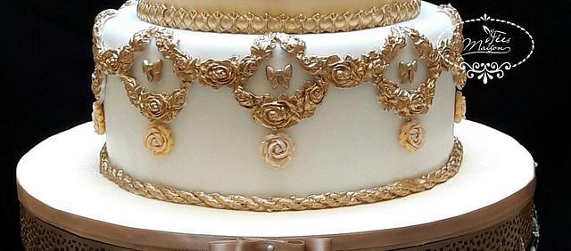 WEDDING CAKE BAROQUE CHIC