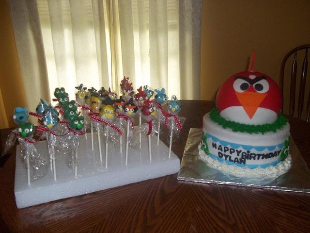 Angry Bird cake and Cake pops