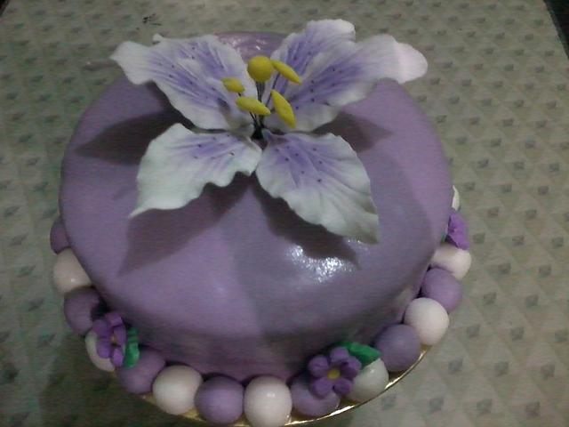 My 1st Fondant Cake ^_^