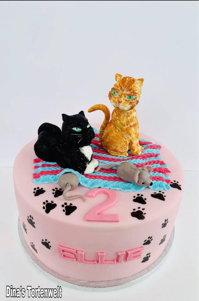 Amazing Cat Birthday Cake Cake By Dinas Tortenwelt Cakesdecor Funny Birthday Cards Online Necthendildamsfinfo