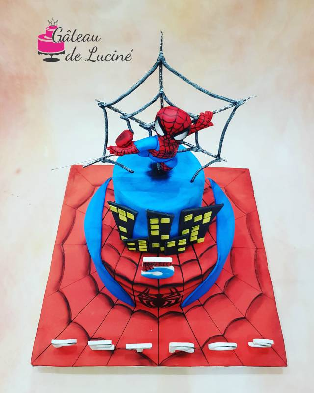 Groovy Spiderman Birthday Cake Cake By Gateau De Lucine Cakesdecor Personalised Birthday Cards Beptaeletsinfo
