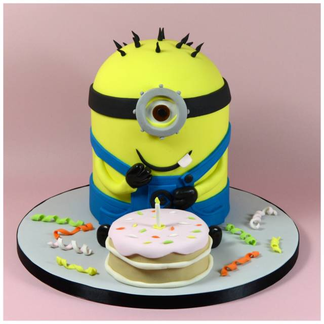 Fantastic How To Make A Minion Novelty 3D Cake Step By Step Cakesdecor Personalised Birthday Cards Paralily Jamesorg