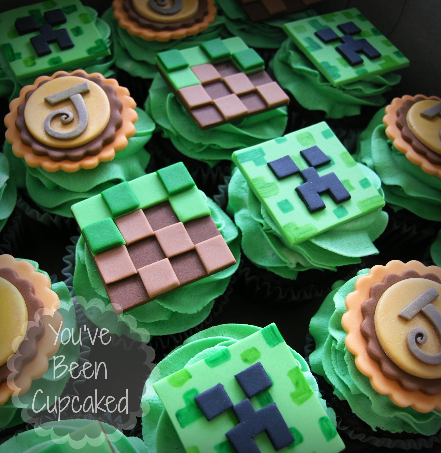 Minecraft Cupcakes Cake By You Ve Been Cupcaked Sara Cakesdecor