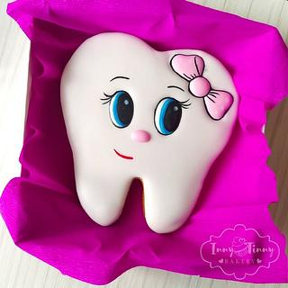 Fairytale cookie tooth