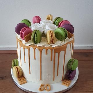 Macaron drip cake - Cake by Cake Rotterdam