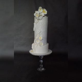 Pansy flowers wedding cake