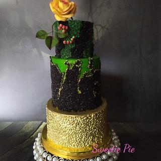 CRYSTAL SHEET FONDANT WEDDING CAKE - Cake by Rupali Pal