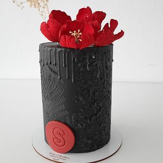 Black drip with peonies - Cake by Silvia Caballero