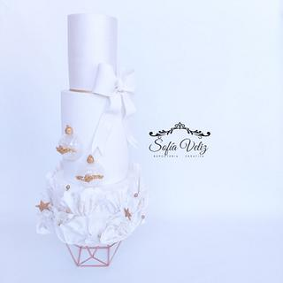 white and gold christmas - Cake by Sofia veliz