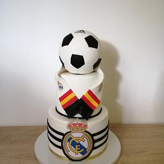 Real Madrid cake - Cake by Torte Panda