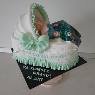 Baby sleeping cake