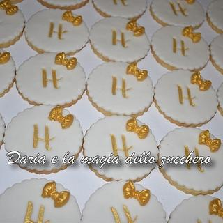 White and gold cookies - Cake by Daria Albanese