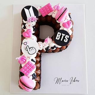 BTS - Cake by Maira Liboa