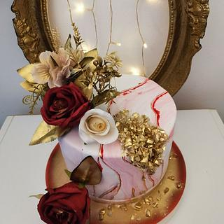 Bordeaux gold marble cake
