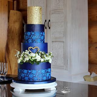 Royal blue wedding cake - Cake by Lorna