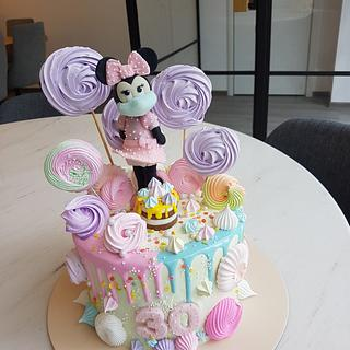 minnie mouse with protection