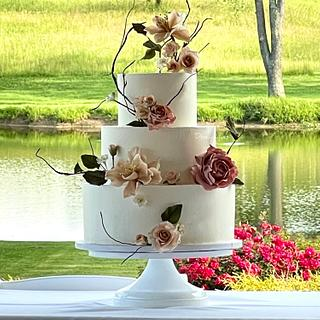 Sugar Flowers at the Winery - Cake by Dozycakes