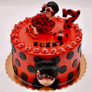Cake ladybird