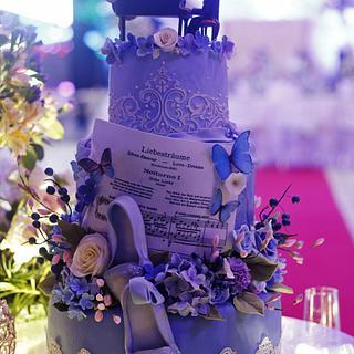 ballerina and pianist wedding cake