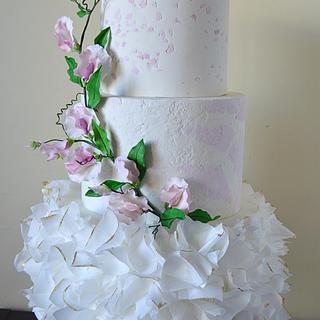 Sweet peas wedding cake - Cake by Paula Rebelo