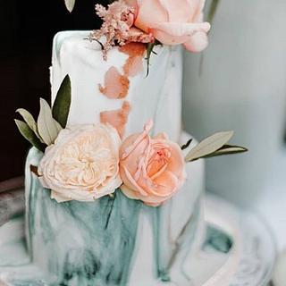 small weddingcake, blush and green marble - Cake by Judith-JEtaarten