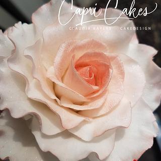 Edible sugar rose