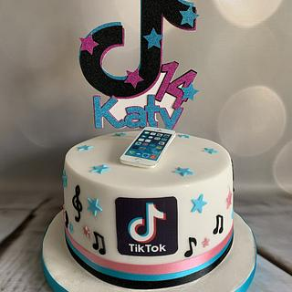 Katy's Tik Tok 14th birthday cake