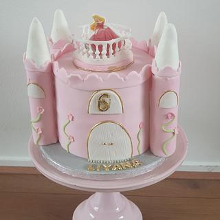 Castle cake sleeping beauty