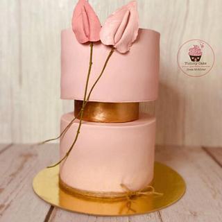 Elegant cake - Cake by Doaa Mokhtar