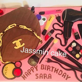 Makeup & bag cake