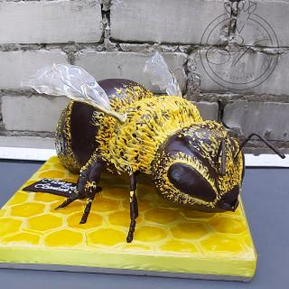 Bee cake by Victoria Zagorodnya  - Cake by Victoria
