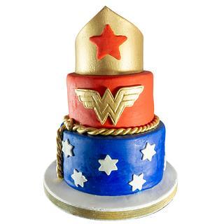 Torta de Mujer Maravilla - Cake by ReposterIa Expresiones Sorpresivas