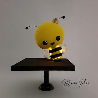 Queen Bee - Cake by Maira Liboa