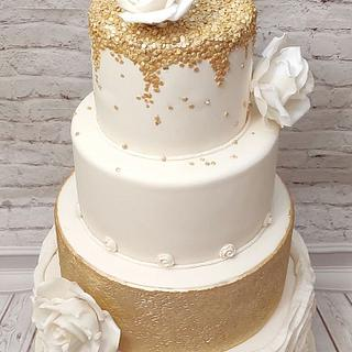 Ivory and gold wedding cake - Cake by Rositsa Lipovanska