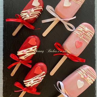 Valentine cakesicles