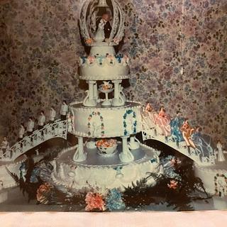 Vintage Wedding Cake - Cake by Julia