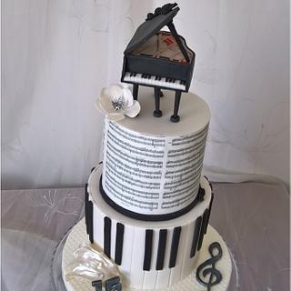 Music & piano cake
