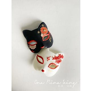 Royalicing fox mask - Cake by Vicky Chang