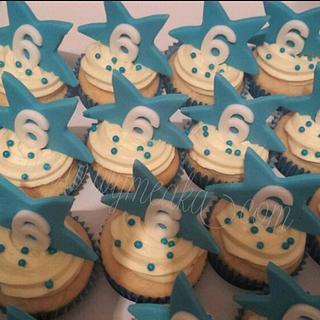 Star Cupcakes - Cake by Wymeaka's Custom Cakes