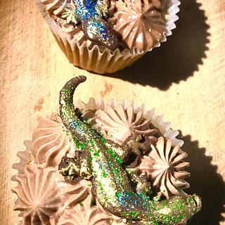 Cupcakes with lizards