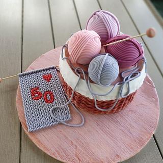Kinitting basket cake