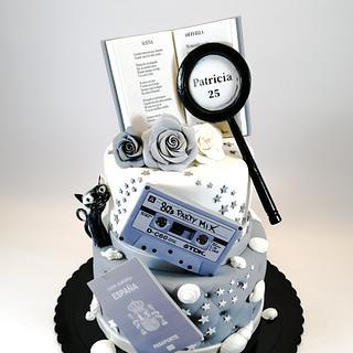 Gris & Blanco - Cake by TartaSan - Damian Benjamin Button