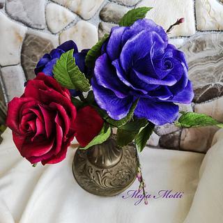 Sugar roses - Cake by Maja Motti